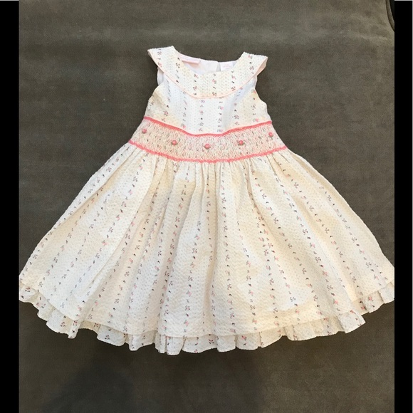 6f75a3e497 First Impressions Other - FIRST IMPRESSIONS BABY WHITE ROSE PRINT DRESS